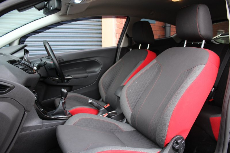 FORD FIESTA T EcoBoost 140 Start-Stop Zetec S Black Edition 2015